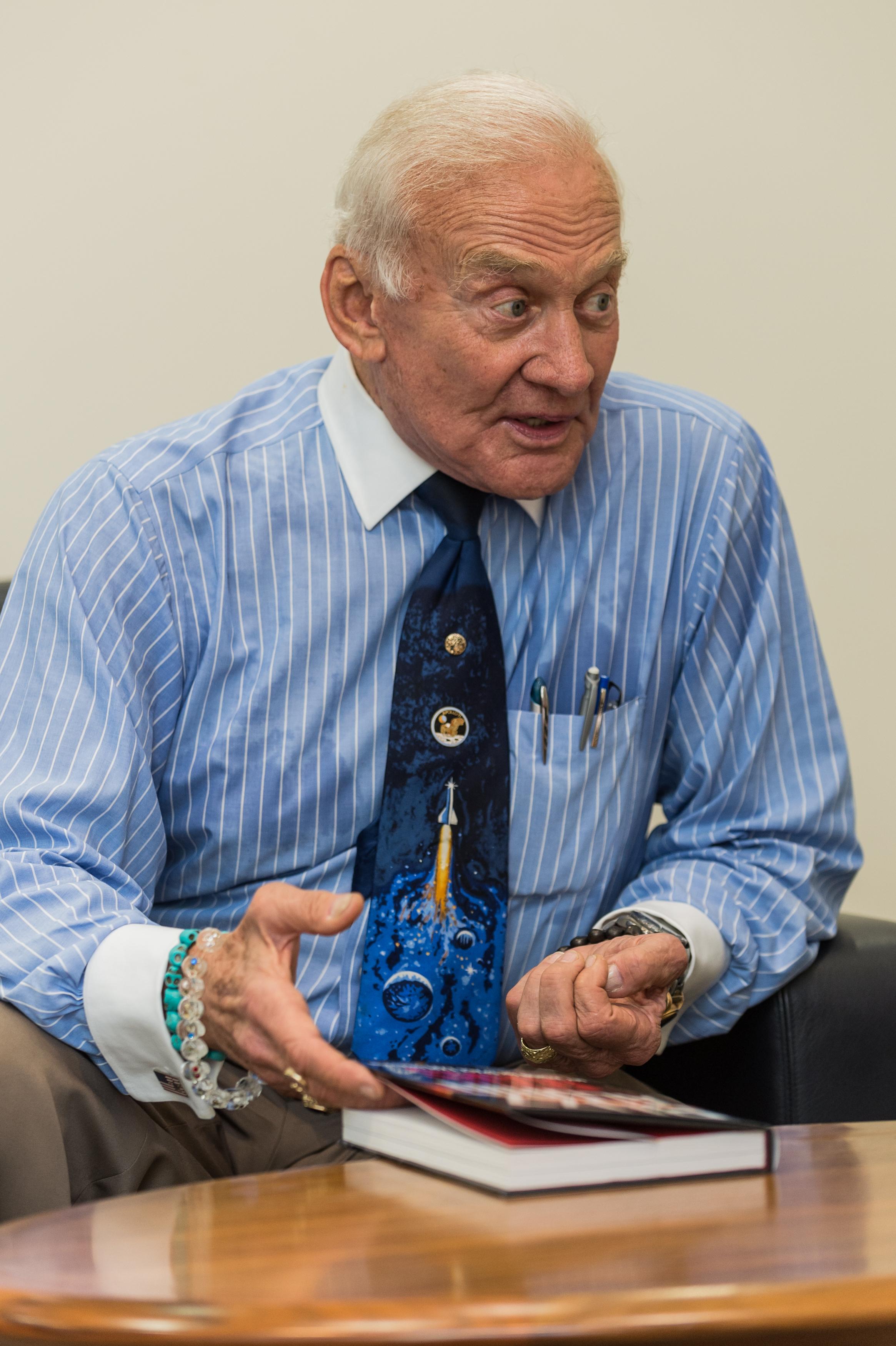 Buzz-Aldrin-HiRes-2829.jpg