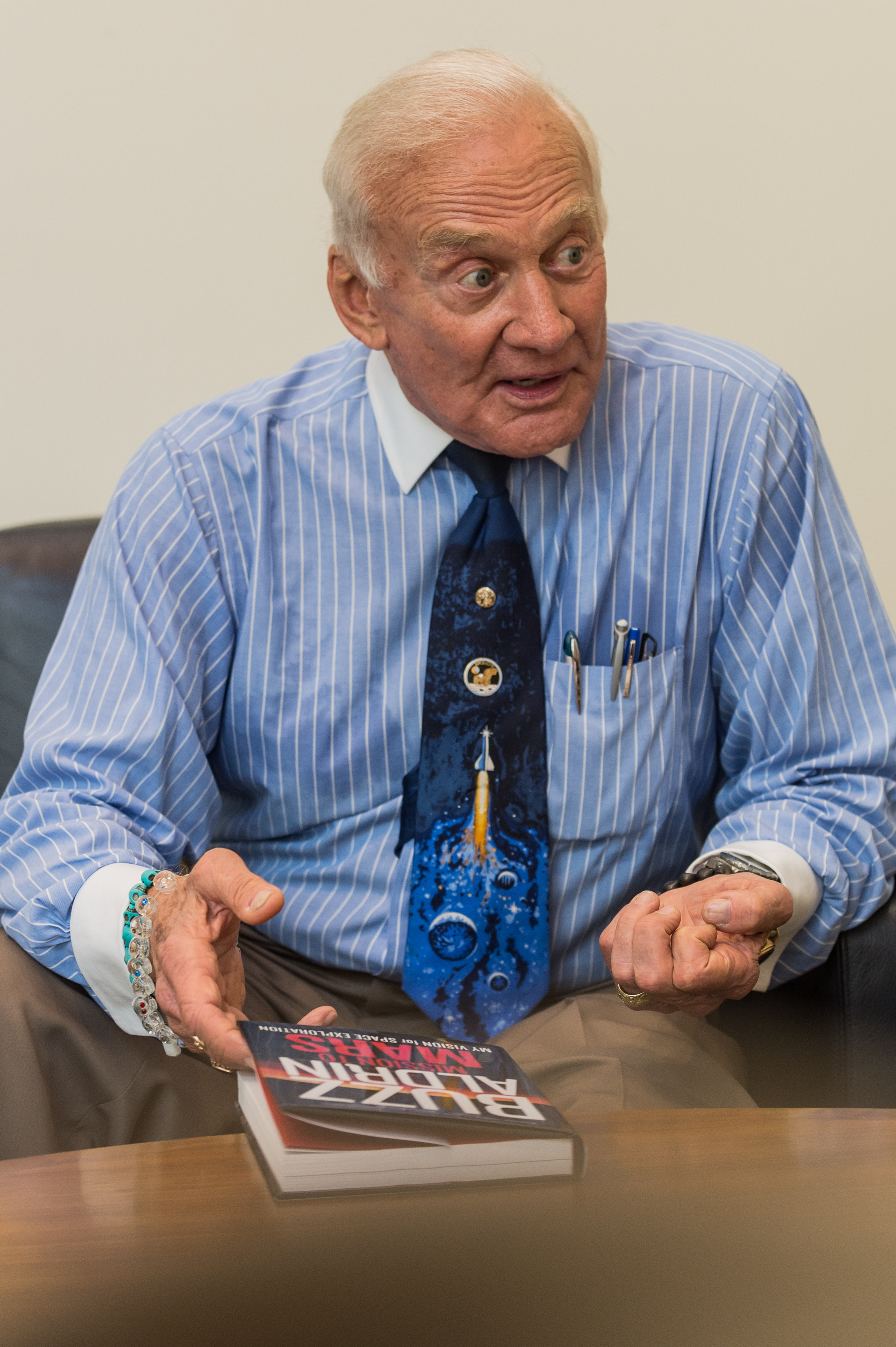 Buzz-Aldrin-HiRes-2843.jpg