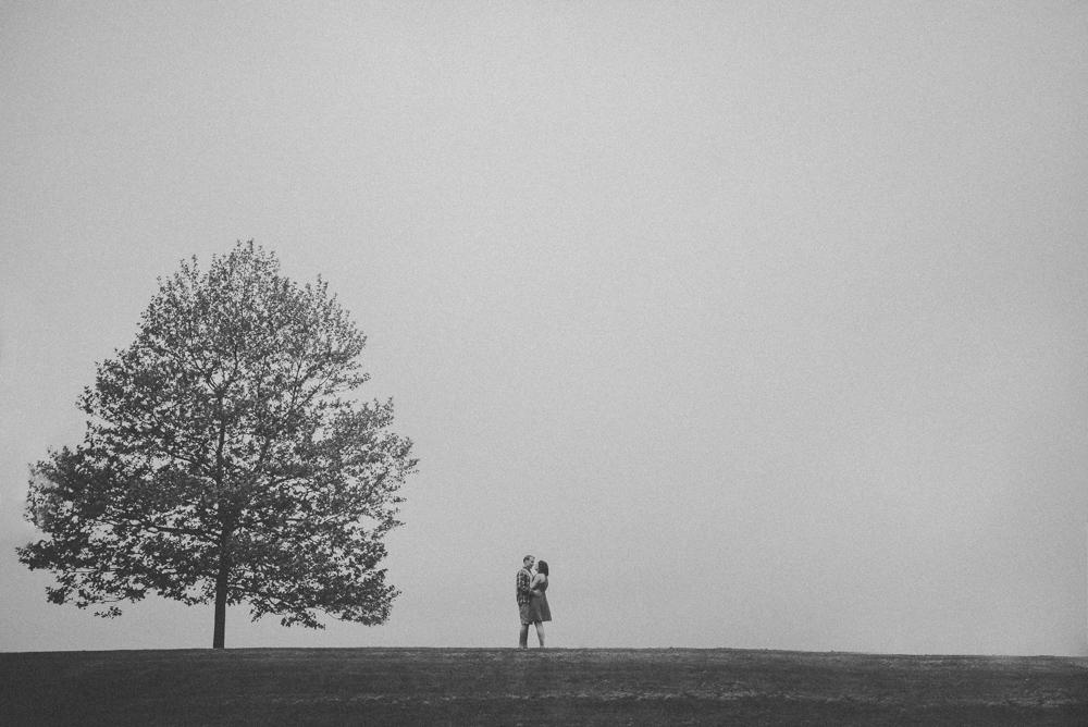 kaitlyn-logan-chicago-grand-rapids-engagement-photography-12.jpg