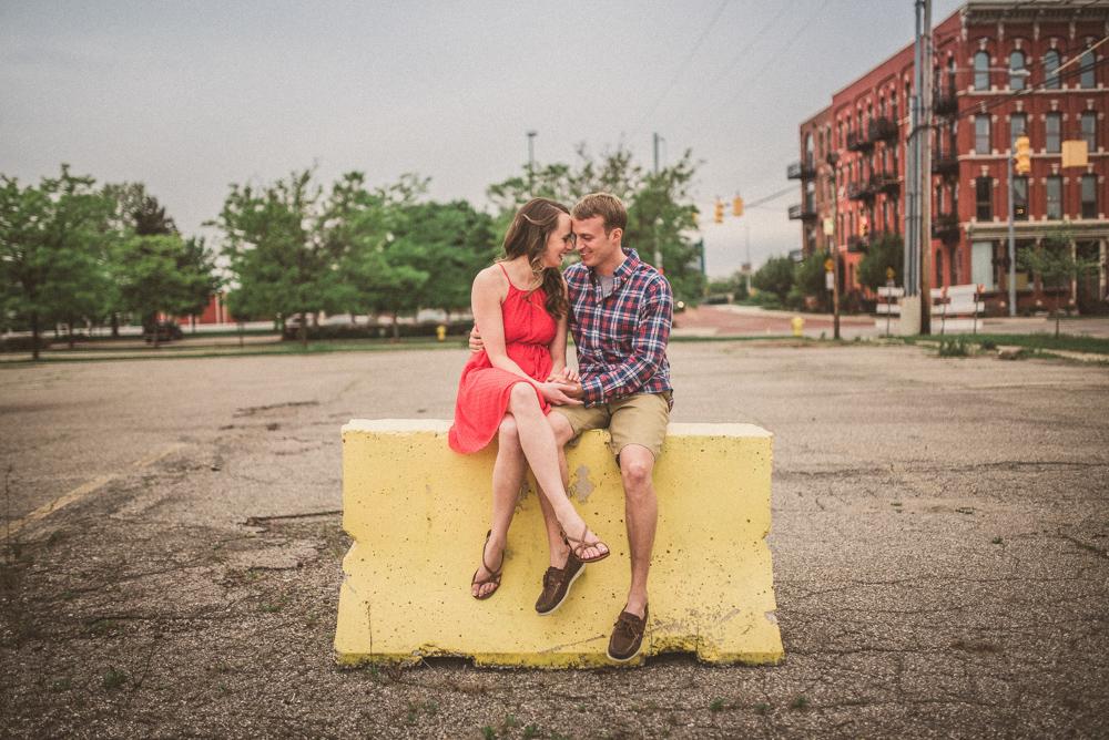kaitlyn-logan-chicago-grand-rapids-engagement-photography-26.jpg