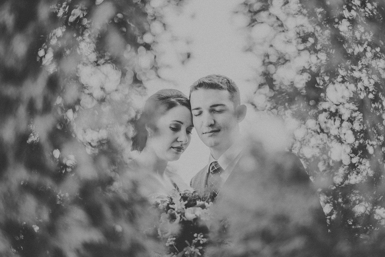 Michigan Wedding Photographer - Grand Rapids Winter Wedding - 034.jpg