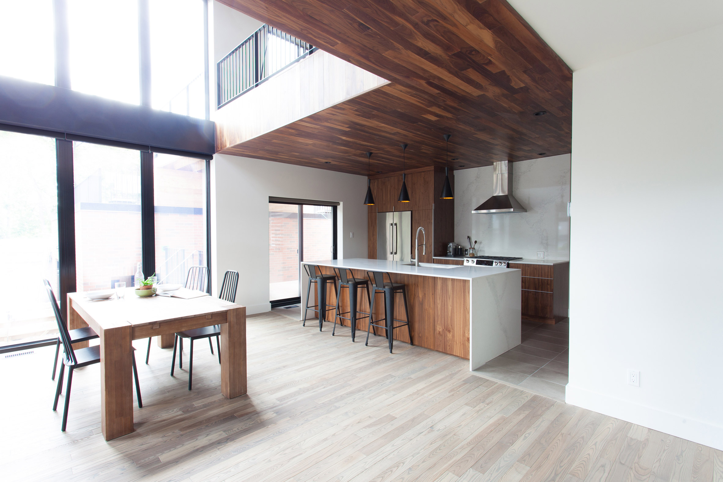 gounod-residence-by-appareil-architecture-montreal-canada-canadian-home-residence-renovation0A_dezeen_2364_col_4.jpg