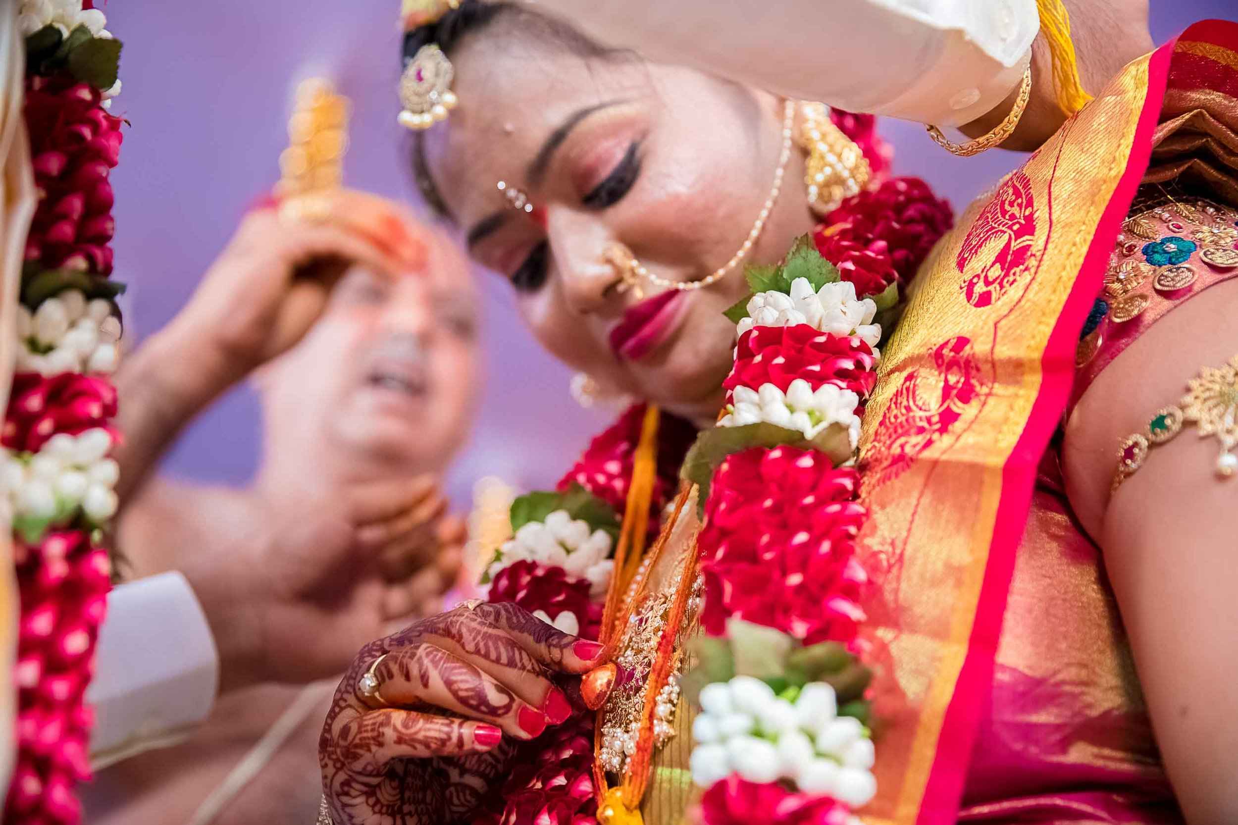 Pixel-Chronicles-Alekhya-Chaitanya-Nellore-Candid-Wedding-Mangalsutra-tying-Ceremony-13.jpg
