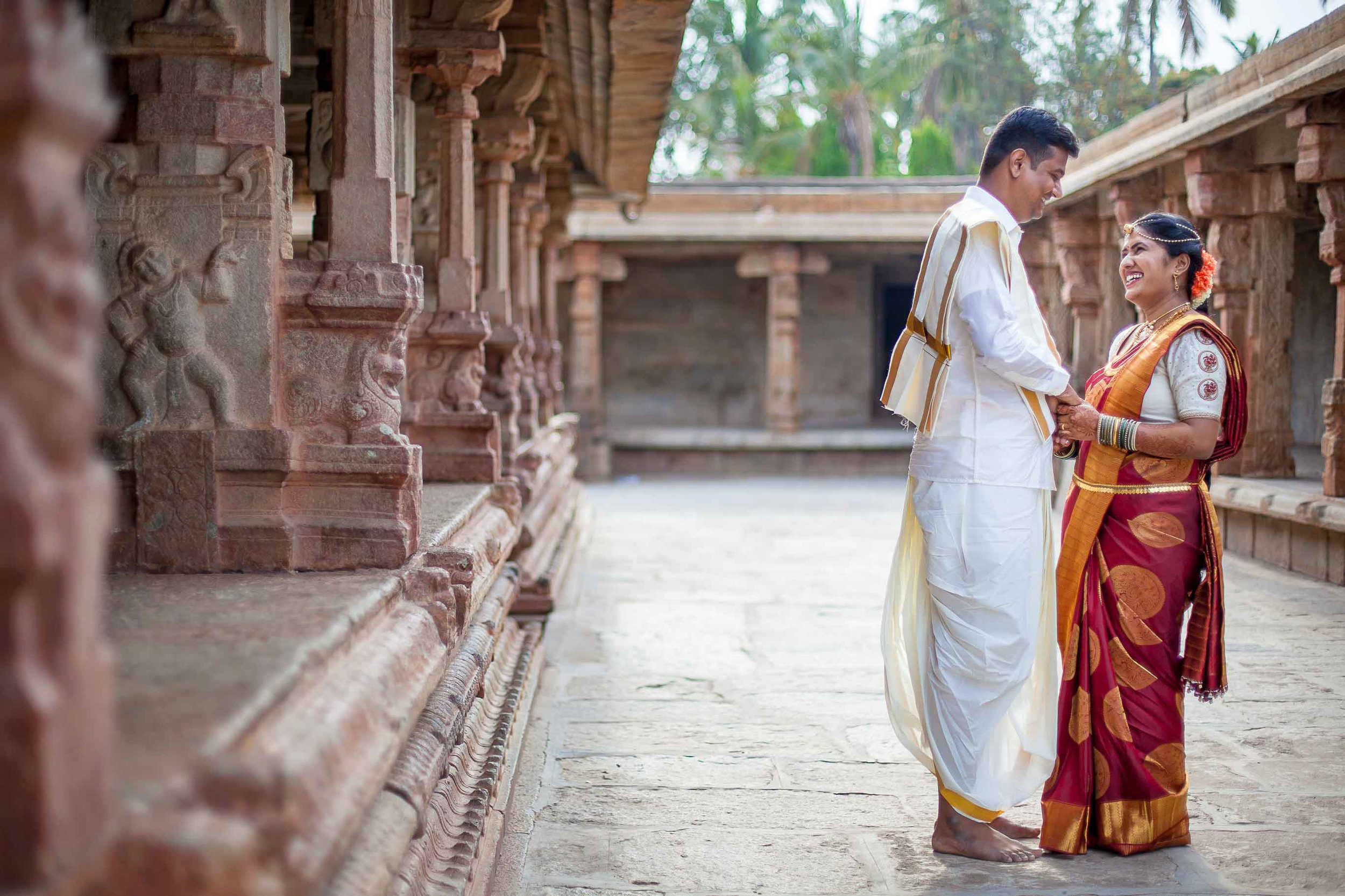 Pixel-Chronicles-Basavaraj_Pooja-bhoganandishwara-temple-Candid-Wedding-Photography-Couple-Photoshoot-5.jpg
