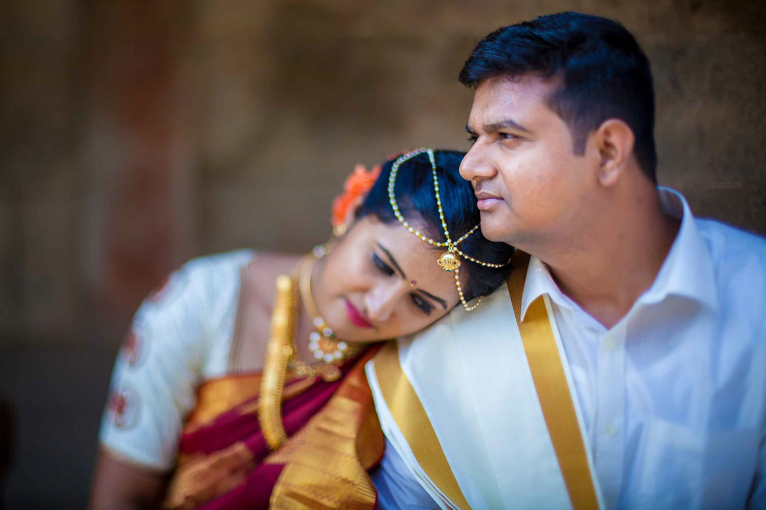 Pixel-Chronicles-Basavaraj_Pooja-bhoganandishwara-temple-Candid-Wedding-Photography-Couple-Photoshoot-12.jpg