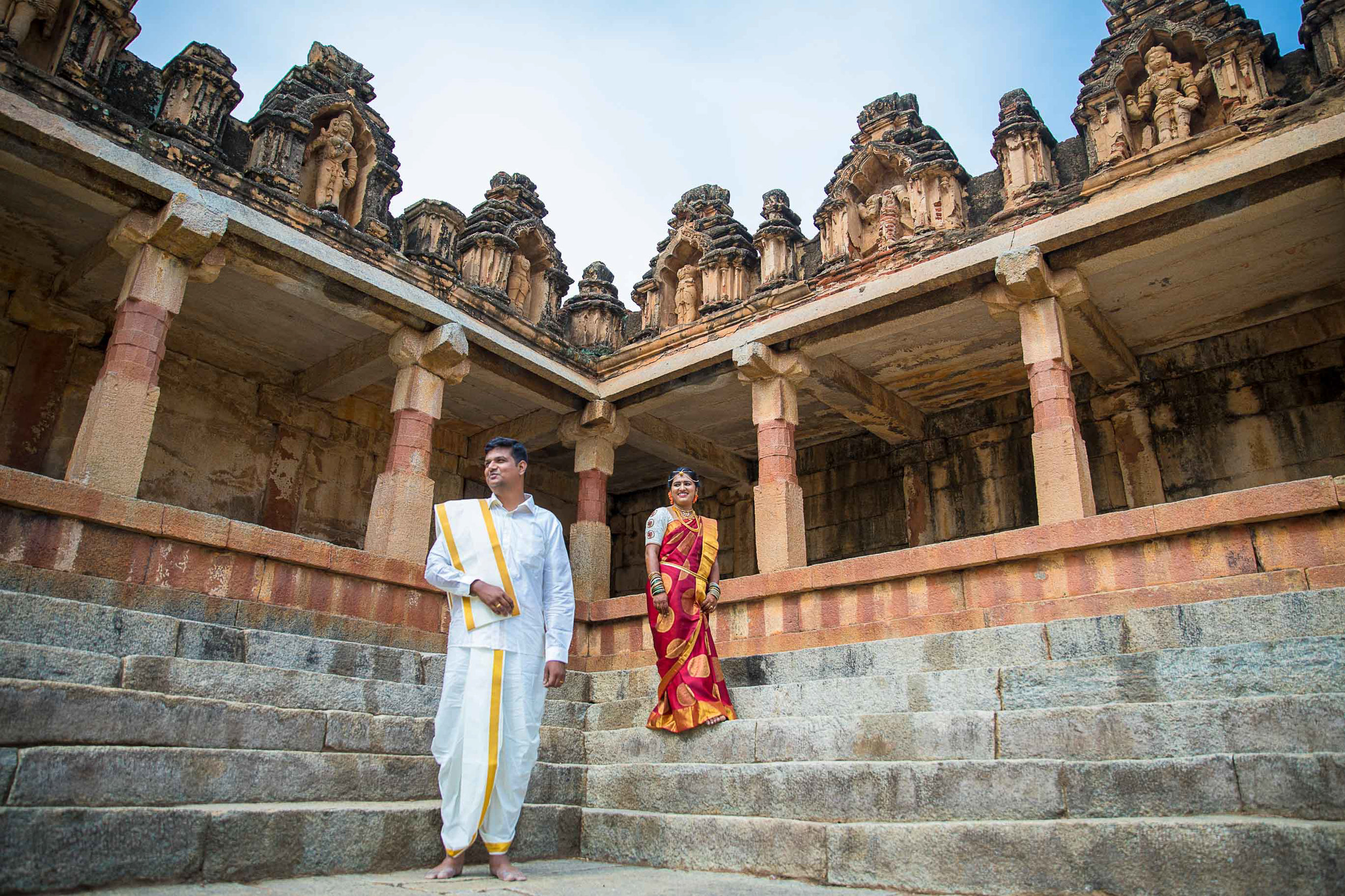 Pixel-Chronicles-Basavaraj_Pooja-bhoganandishwara-temple-Kalyani-Candid-Wedding-Photoshoot-South-Indian-Wedding-Couple-Photoshoot-Free-Lens-31.jpg