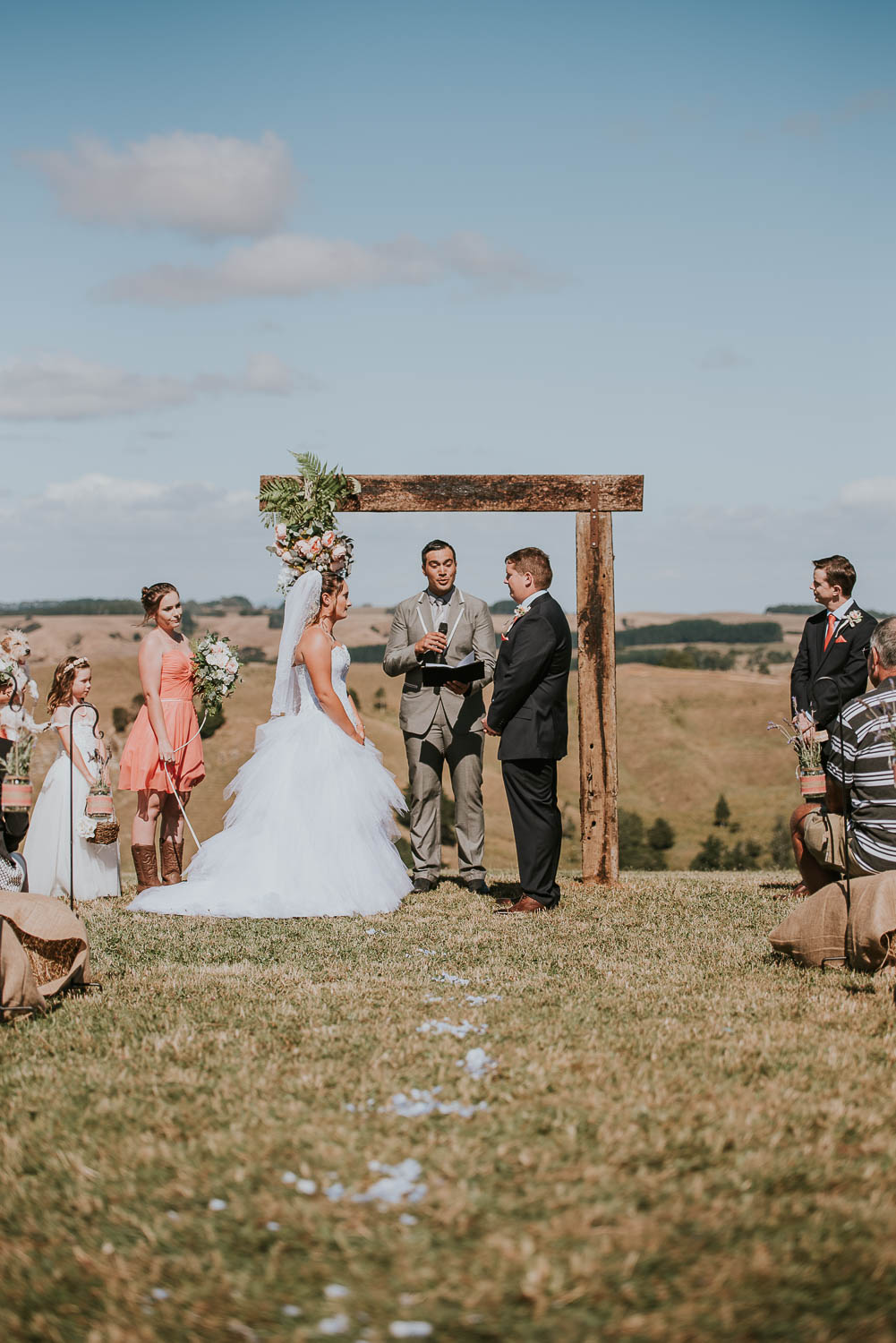 james-melinda-auckland-rustic-farm-wedding-32
