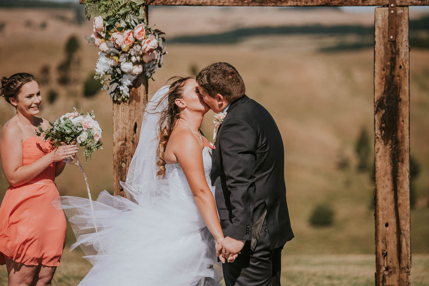 james-melinda-auckland-rustic-farm-wedding-44