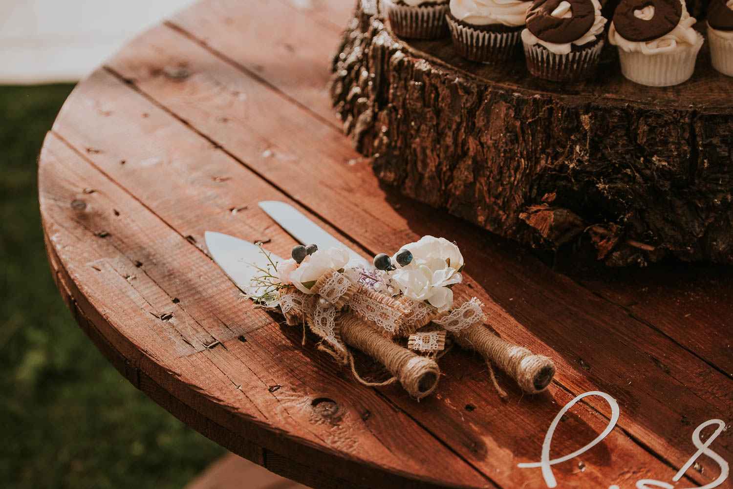 james-melinda-auckland-rustic-farm-wedding-64