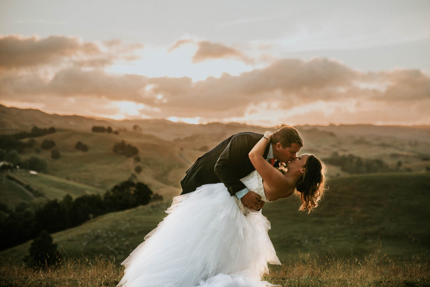 james-melinda-auckland-rustic-farm-wedding-87