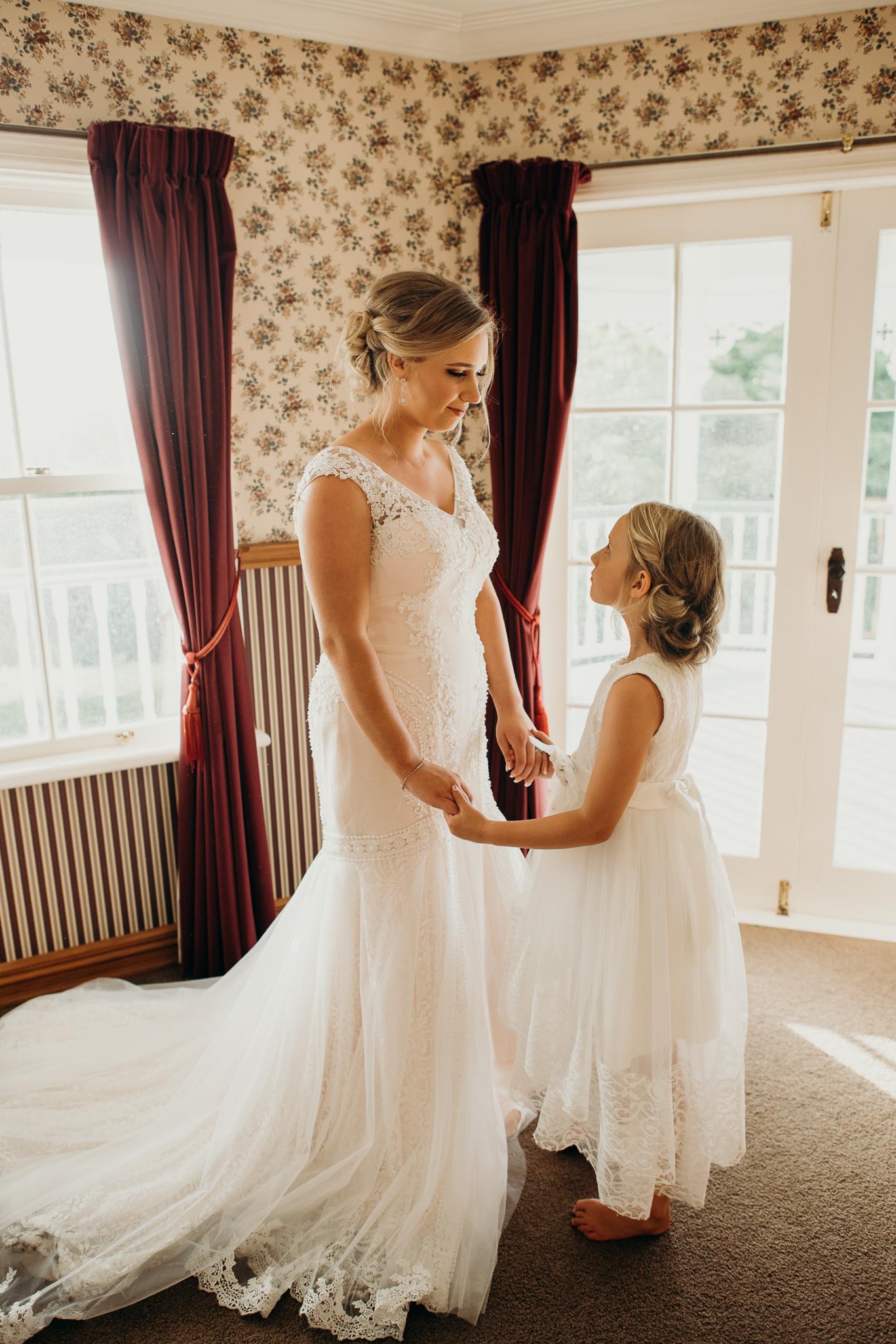 Tauranga-Coromandel-Elegant-Wedding-Photographer-Charlemagne-Lodge-37.jpg
