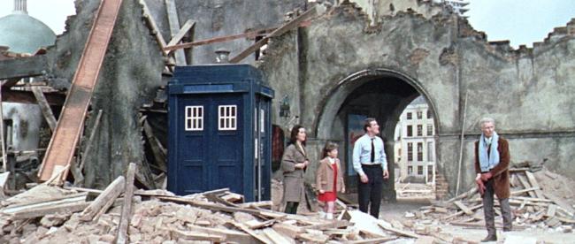 Daleks Invasion Earth 2150 AD (1).jpg