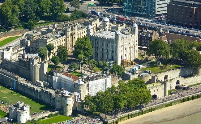 Aerial-Tower-of-London-2.jpg