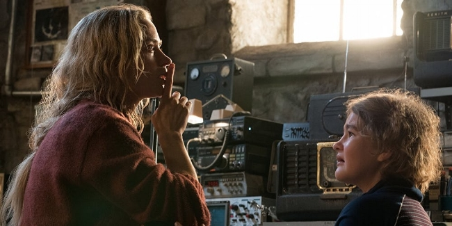 Emily-Blunt-and-Millicent-Simmonds-in-A-Quiet-Place.jpg