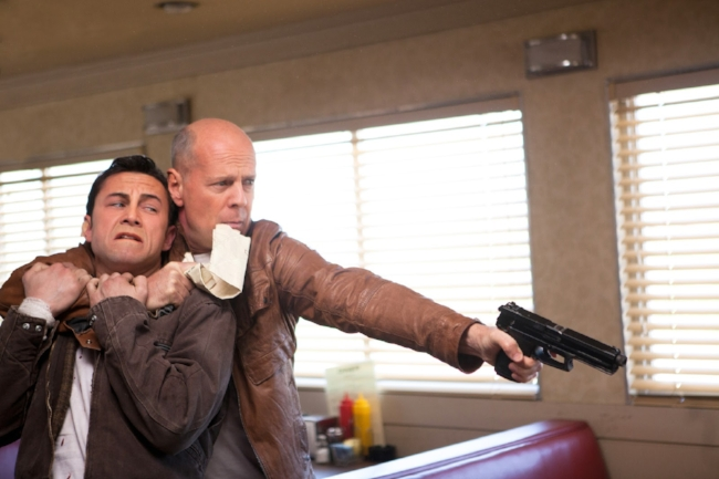 Promotional-Pictures-looper-32285487-3000-2000.jpg