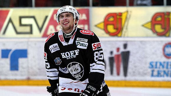Lee Sweatt with TPS Turku of the Finnish SM-Liga