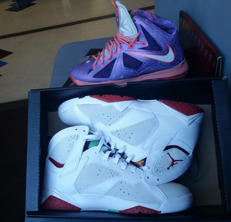 @paul_satx  scored some great pick ups. Who's ready for the 7s to retro?