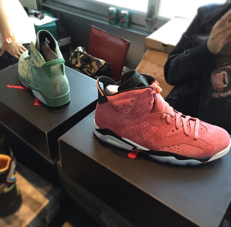@ILLXCHRIS  and @ lacecadence  shut down the show with these macklemore shark face jordan 6s