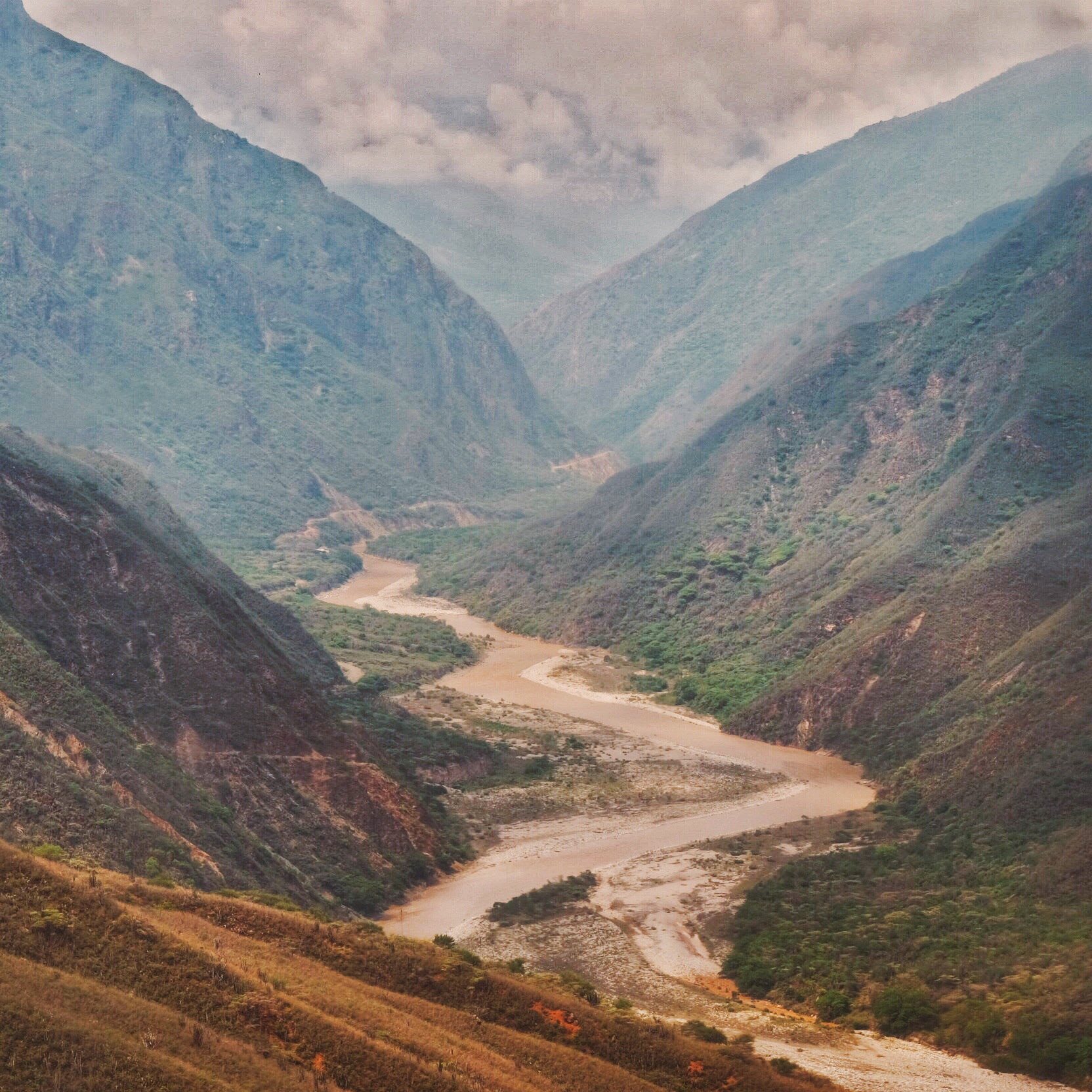 The impressive Chicamocha canyon, on the way from  San Gil  to  Bucaramanga .