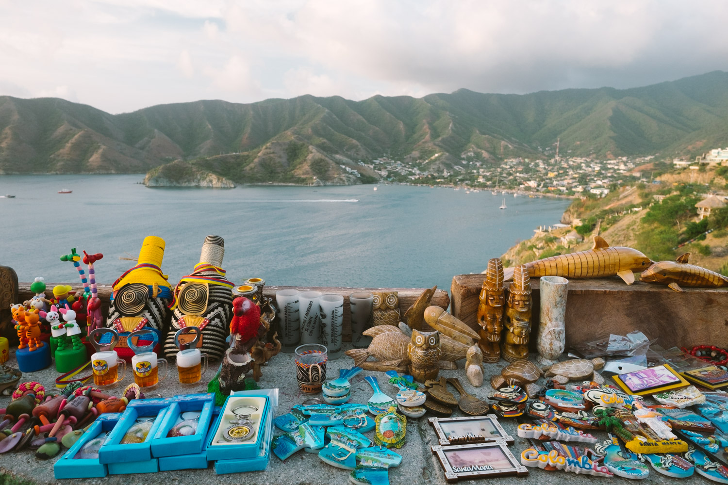 Local handcrafts and the beautiful view of Taganga bay.