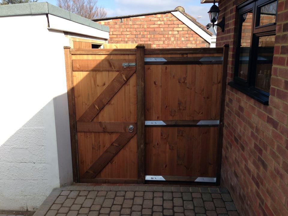 gates-2.jpg