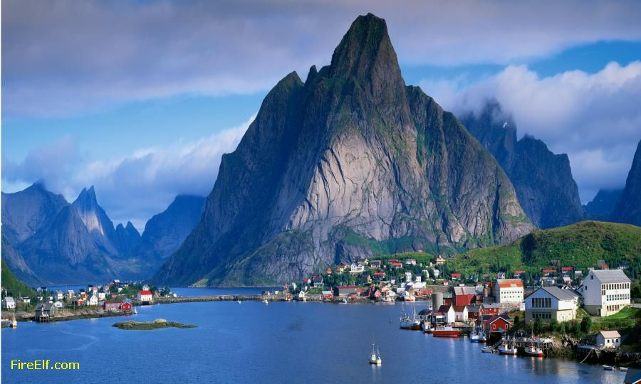 Norway-Picture-Of-The-Ocean--The-Mountain-And-The-Town.jpg