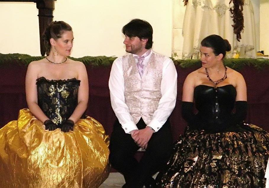 trio assis.jpg