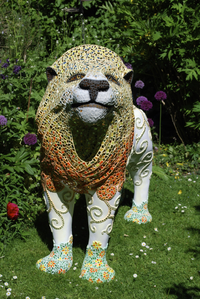 Full picture of finished mosaic of 'Milsom' Lions of Bath 2010