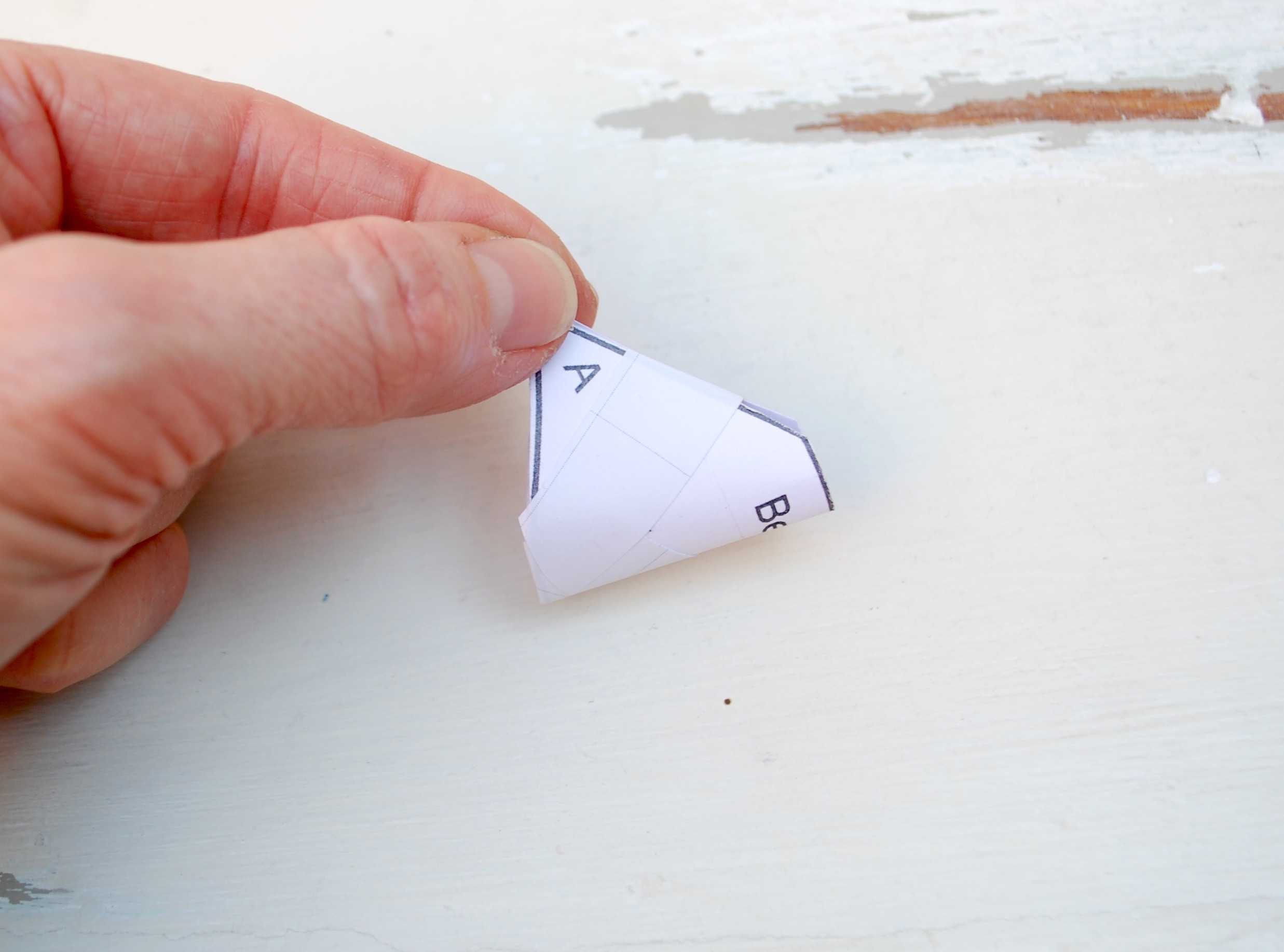 Penguin Paper Pet - shaping the beak template