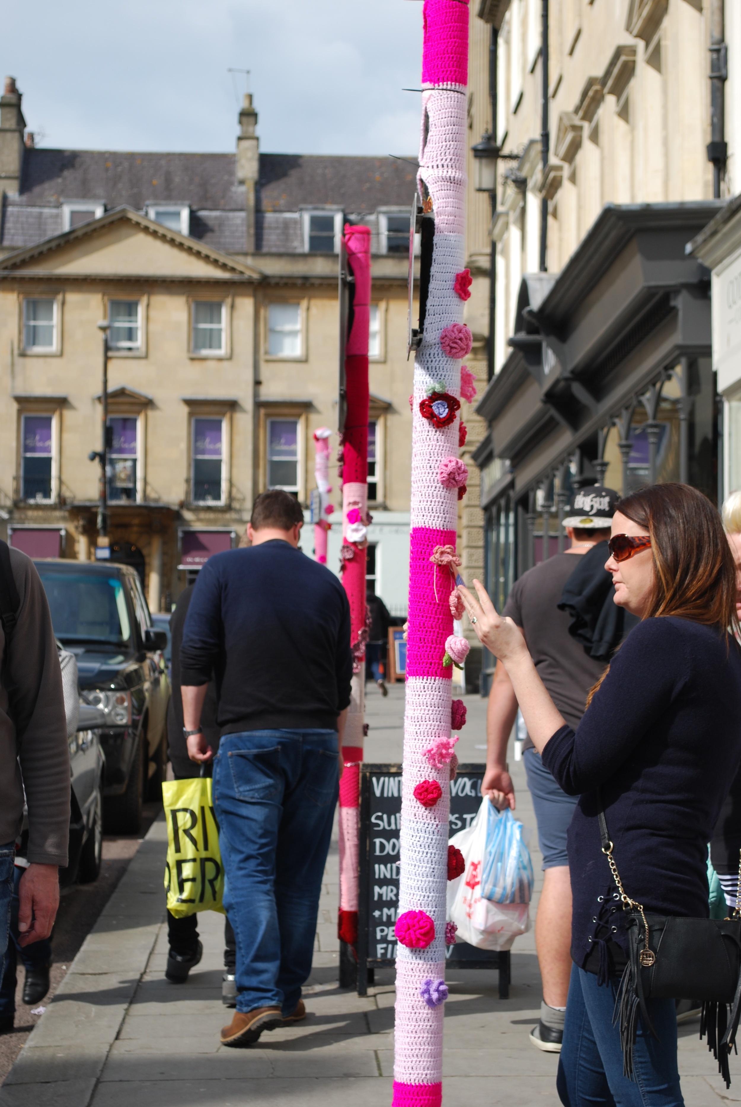 Bath In Fashion 2016 Yarn bomb lady interacting