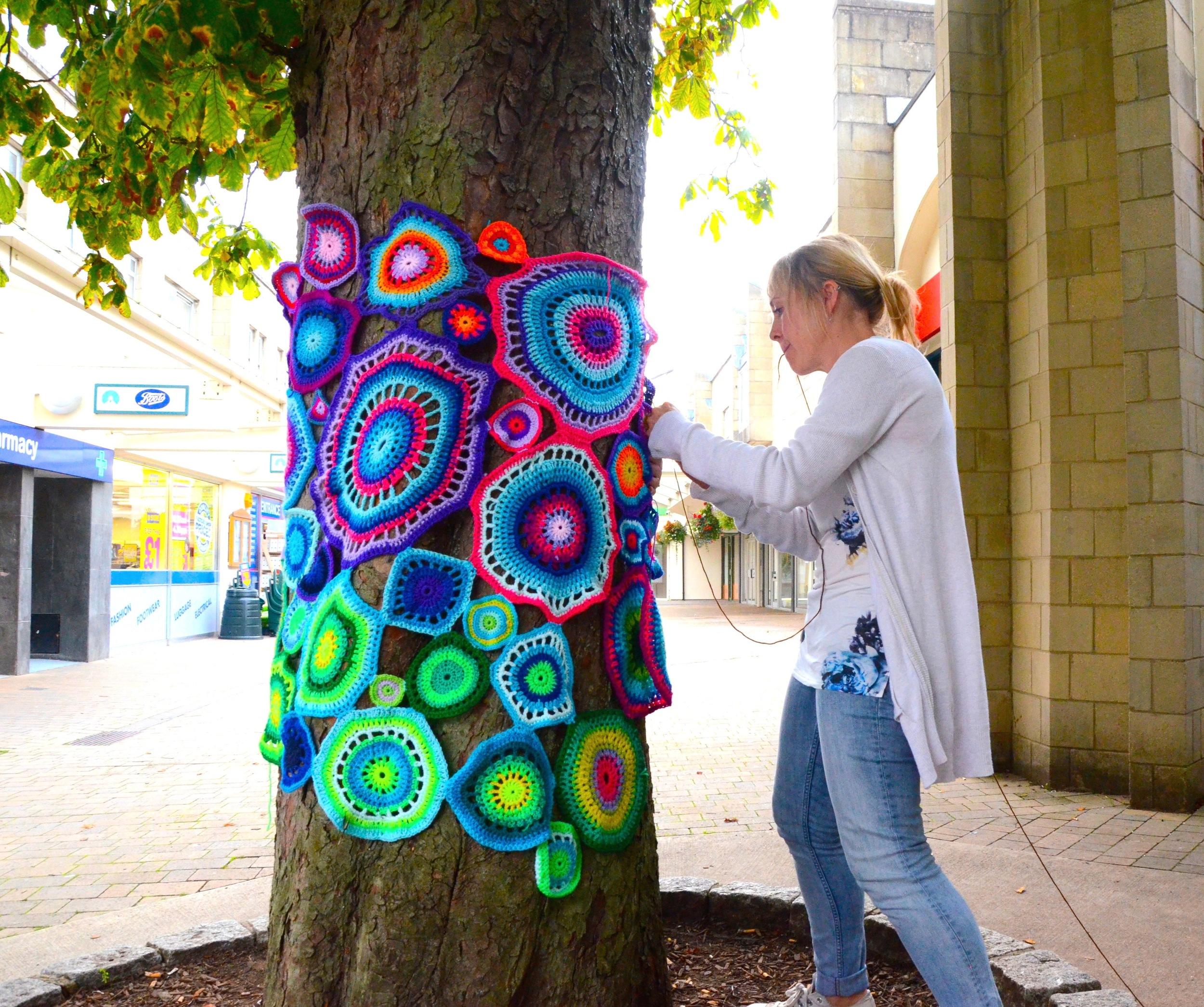Tree bark reduces slippage
