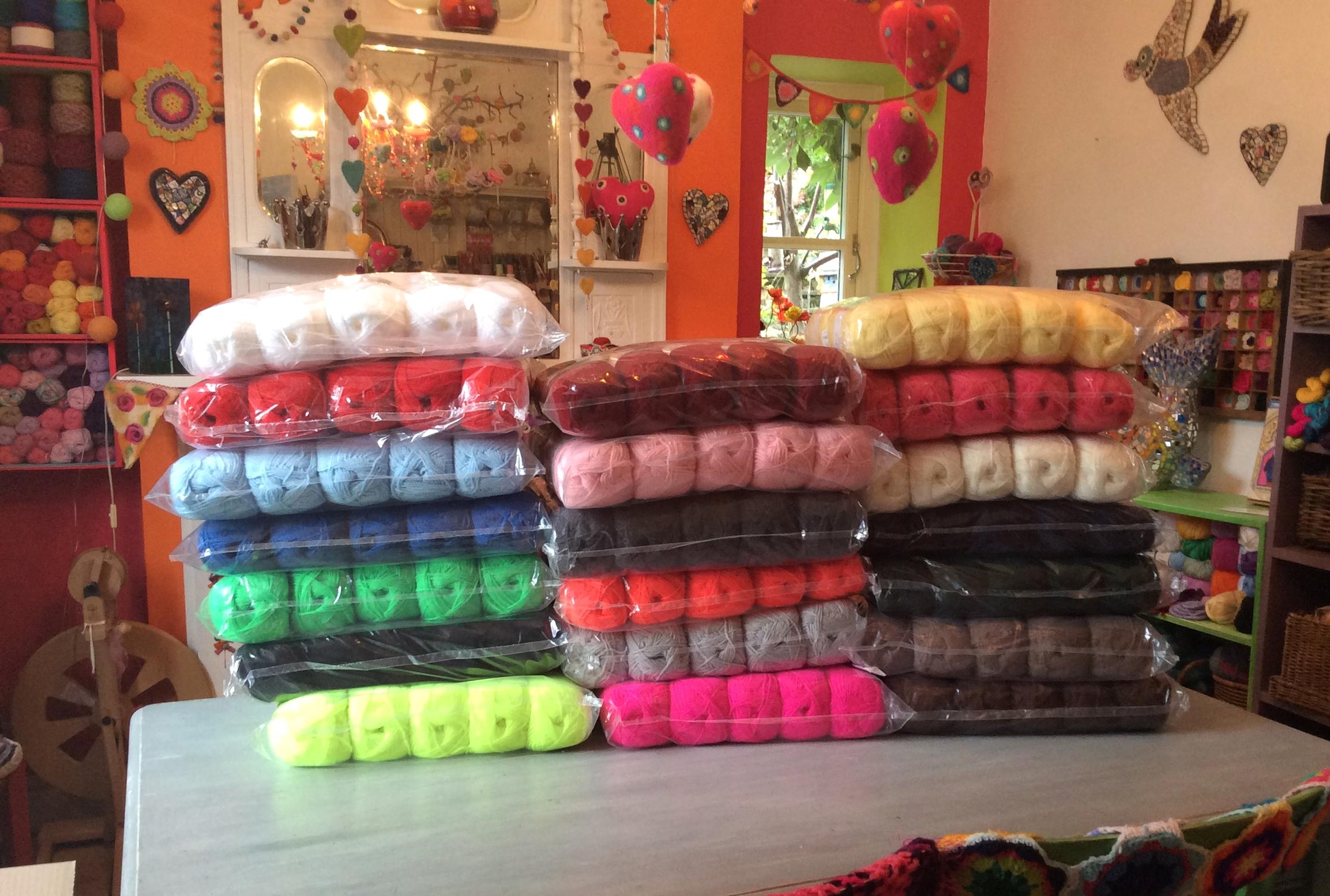 Table top of wool