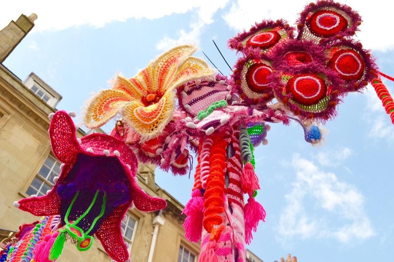 Bath in Fashion 2016 Yarn bomb of giant flowers