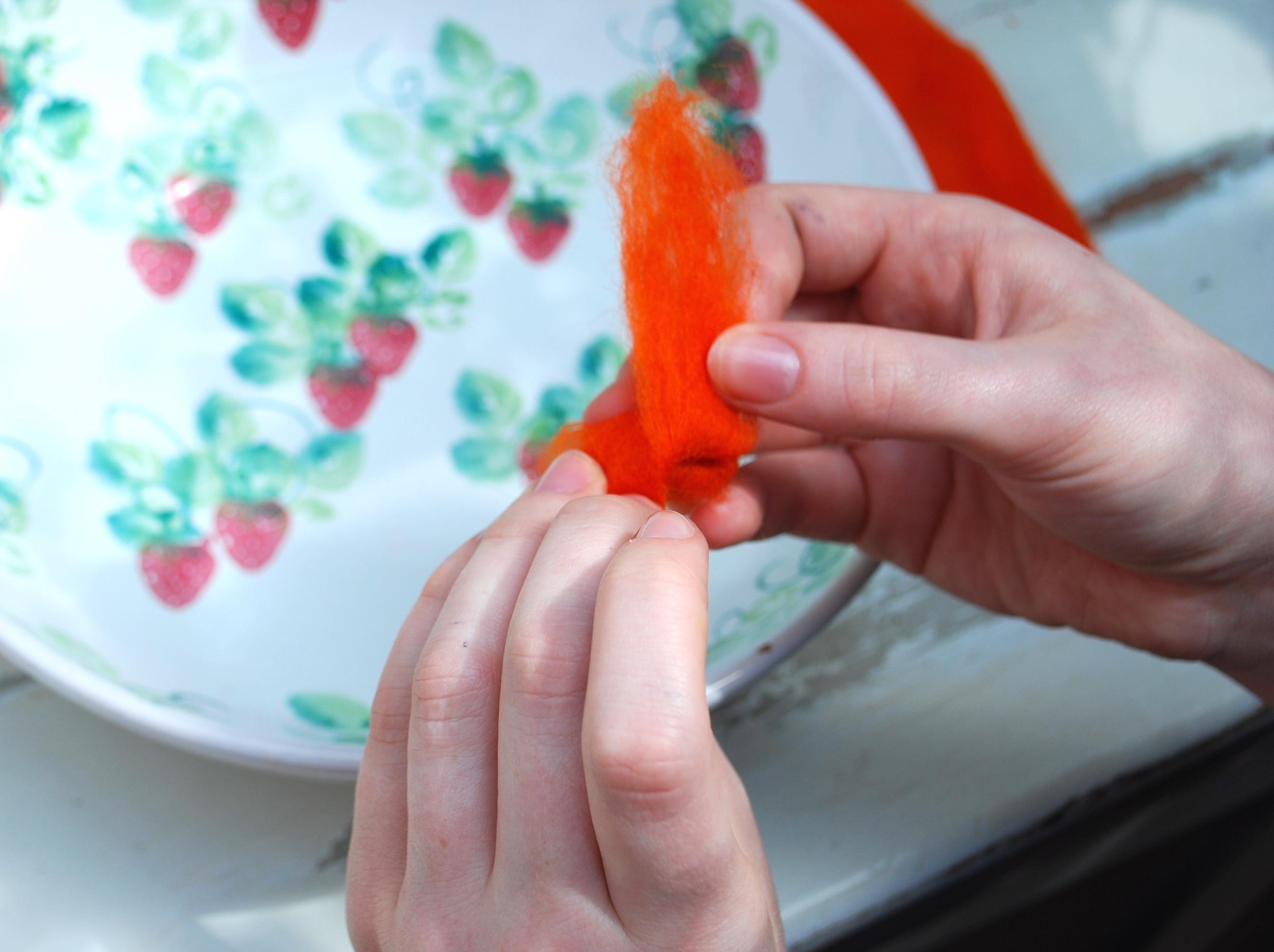 Making a wet felt ball