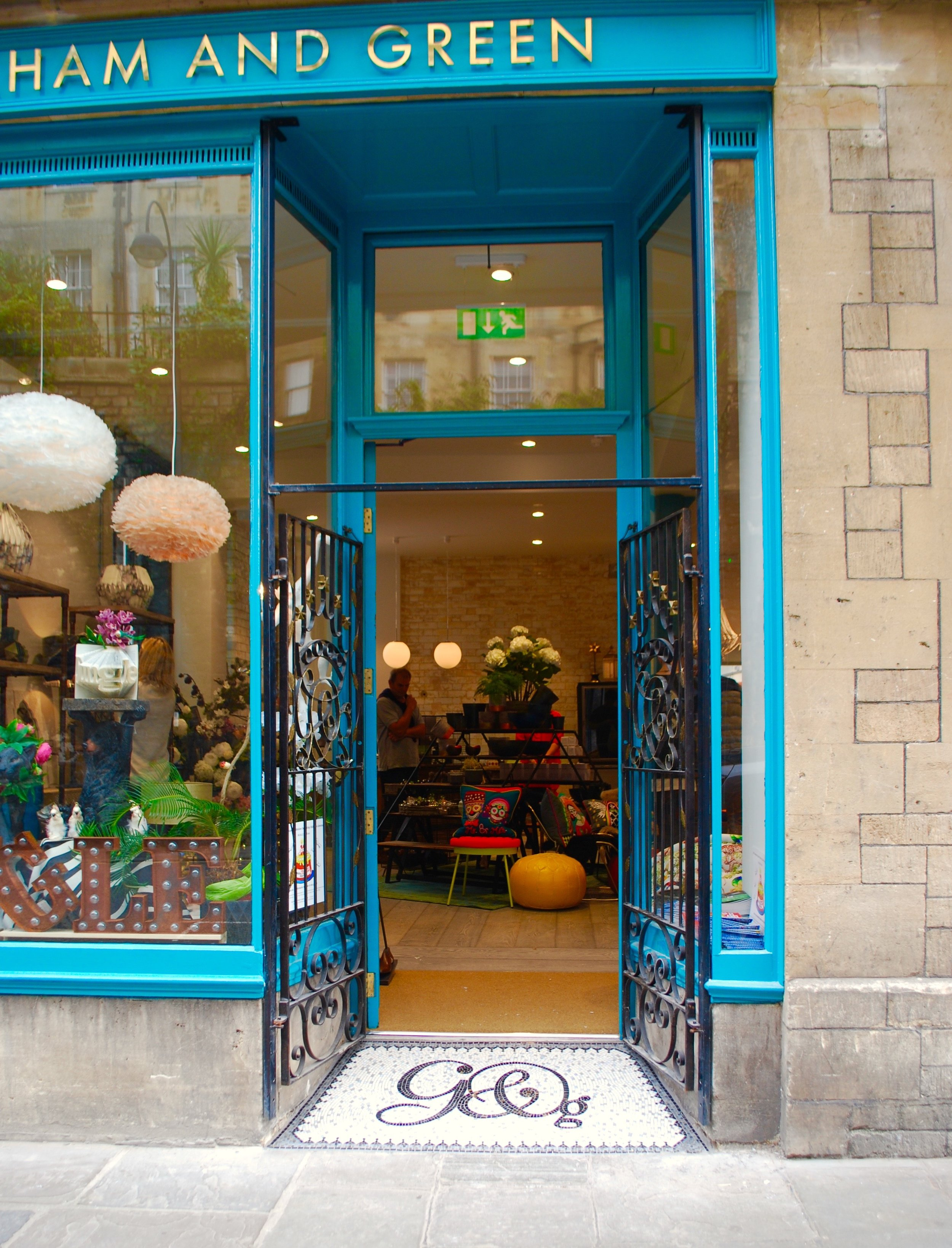 Graham and Green Bath.  Shop doorway mosaic by Emma Leith