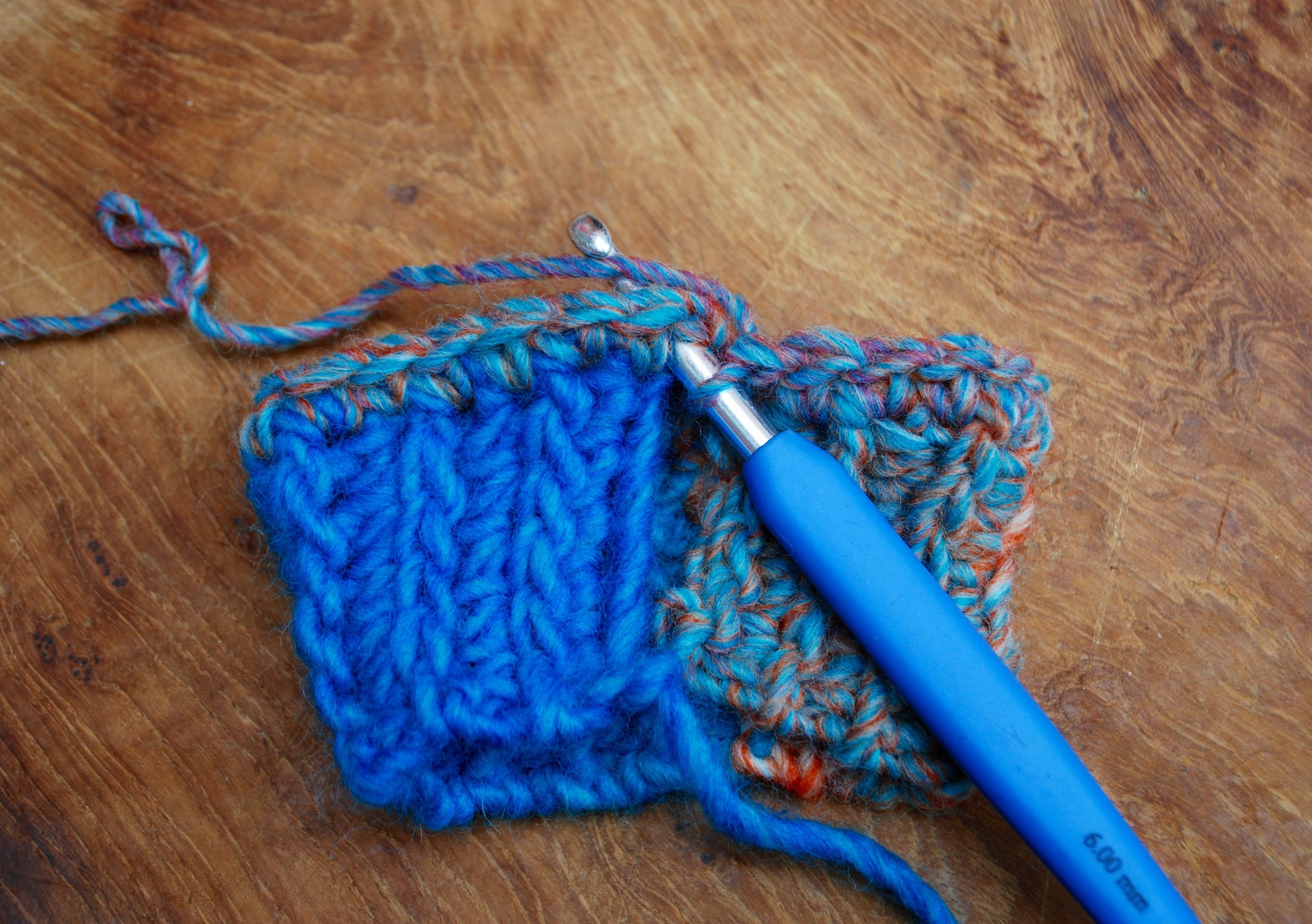 Easy Crochet Fingerless Mitten Gloves free pattern tutorial. Joining with a slip stitch