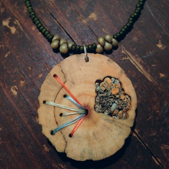 In Stitches Beetlekill Pine with Rock Posy Necklace