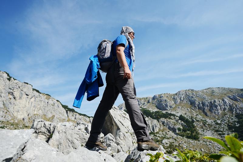 summer hiking truckee.jpg