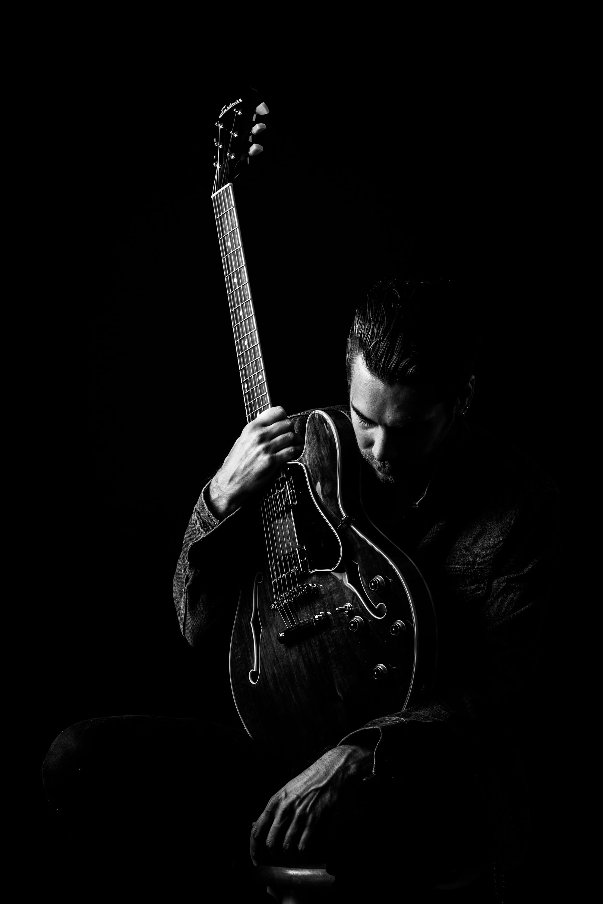 1604011 Eastman Guitar-11526.jpg