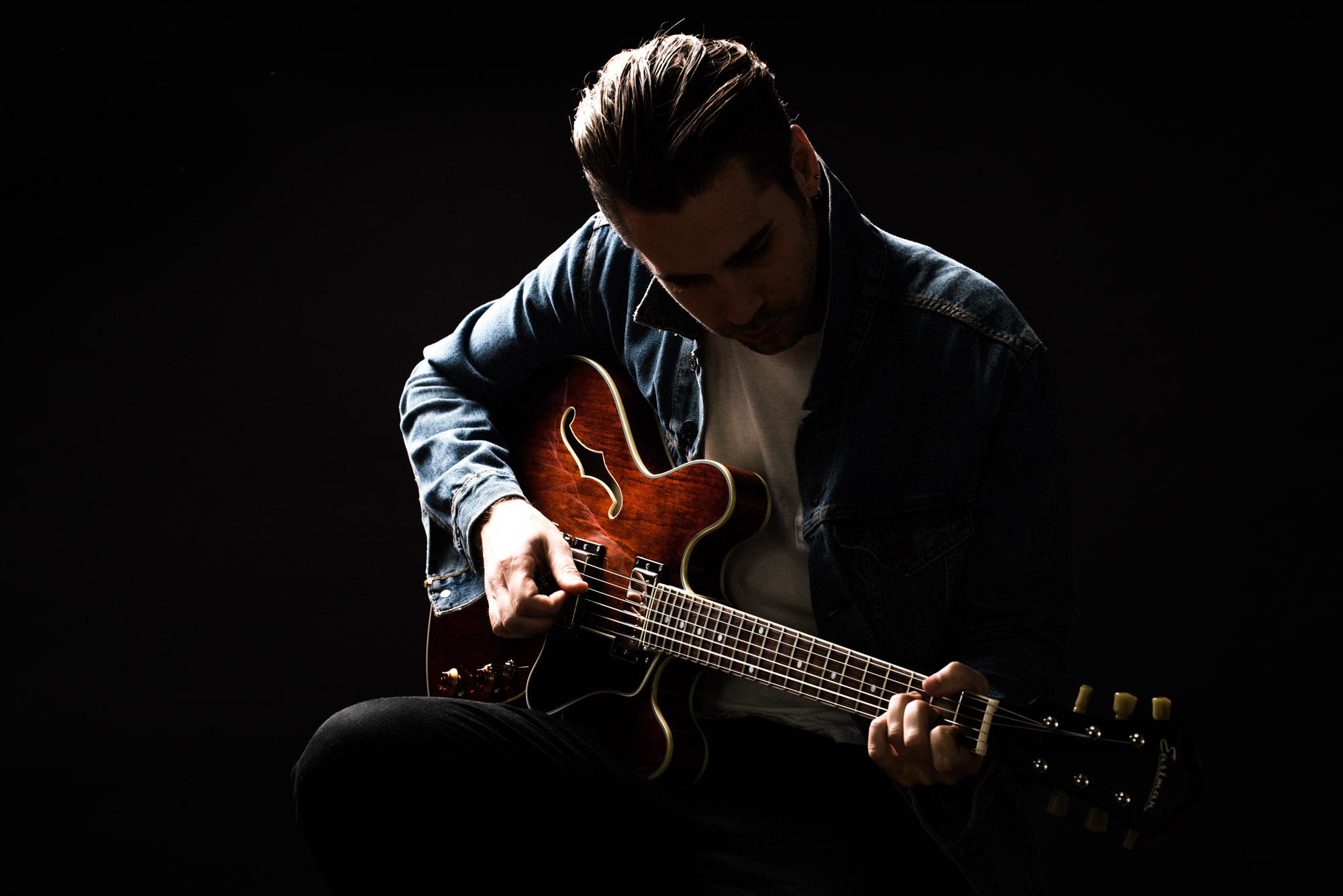 1604011 Eastman Guitar-11473.jpg