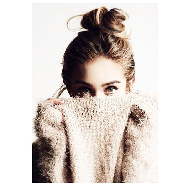 It's a top knot + double shot kinda day #SaturdayVibes #WeekendReady #vanityroom #madeinny