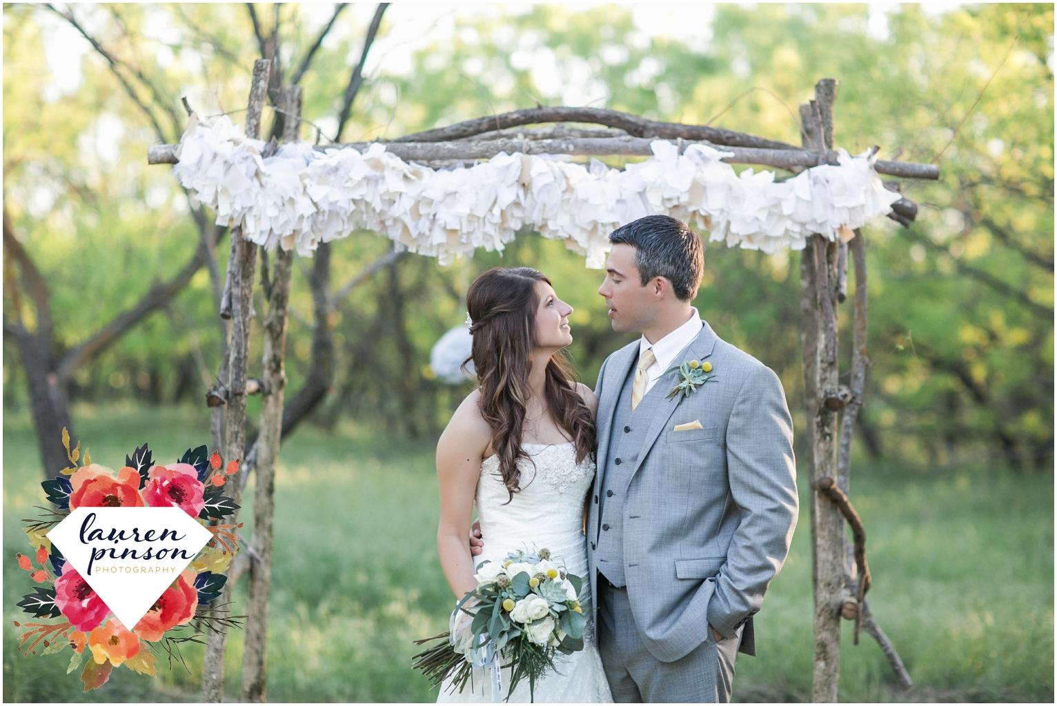wichita-falls-wedding-photographer-oklahoma-wichita-mountains-bridal-session-bridals-photography_0757.jpg