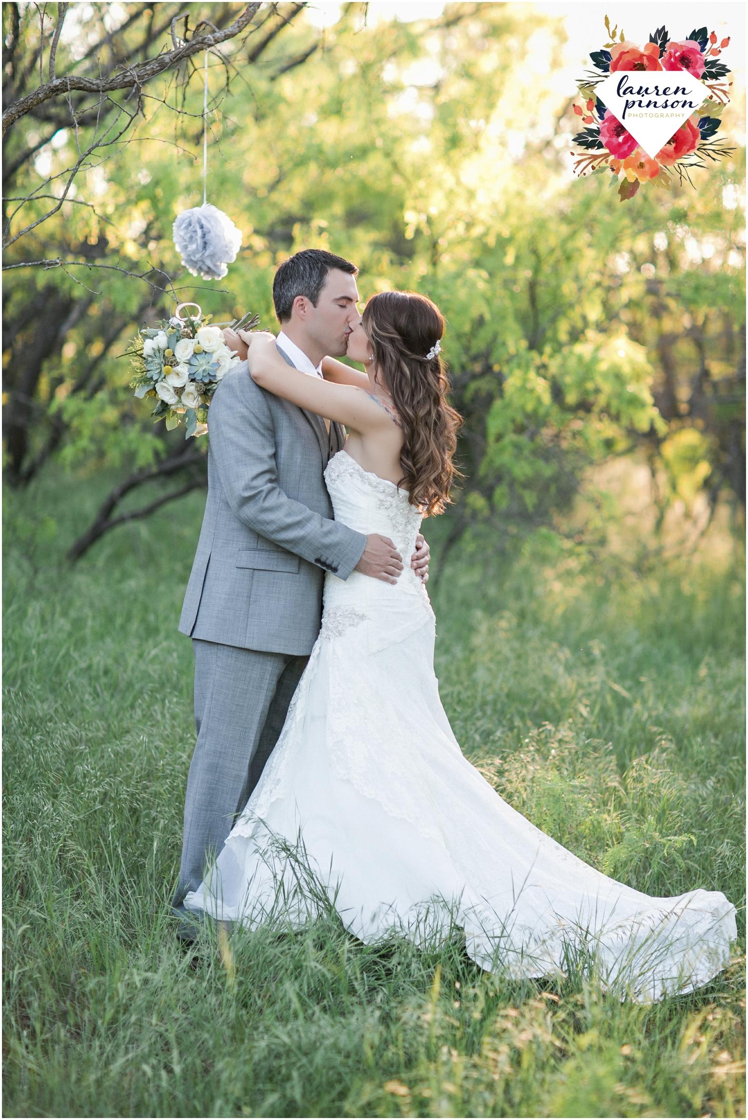 wichita-falls-wedding-photographer-oklahoma-wichita-mountains-bridal-session-bridals-photography_0760.jpg