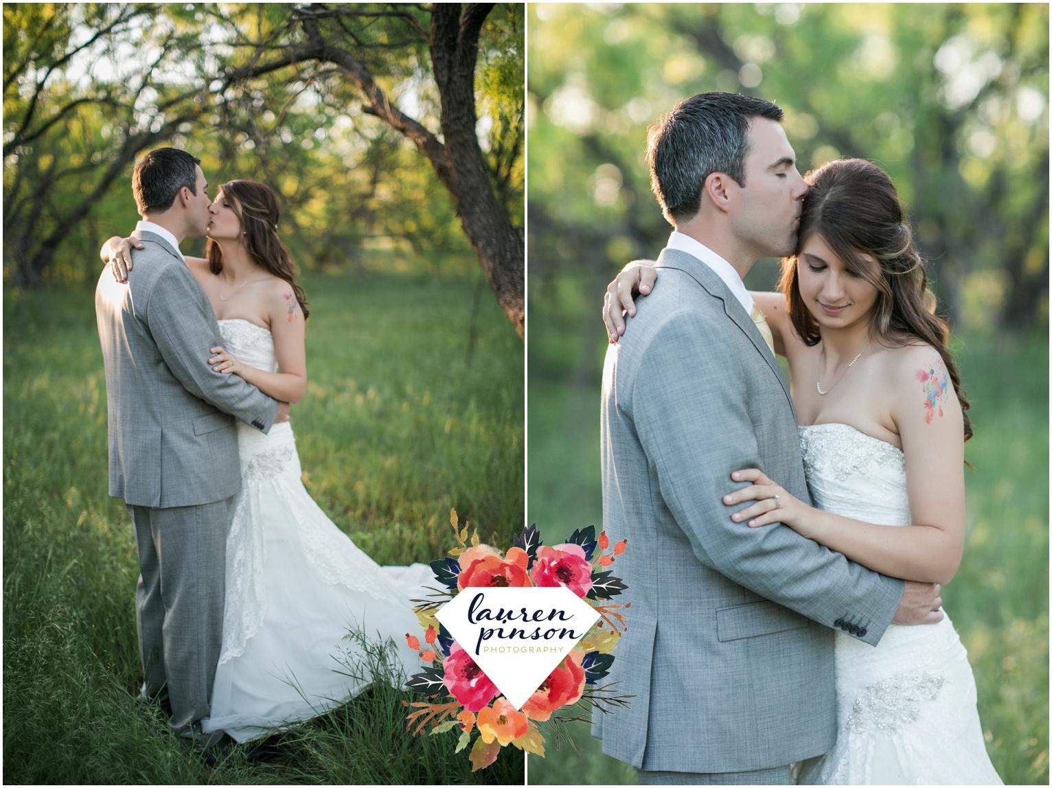 wichita-falls-wedding-photographer-oklahoma-wichita-mountains-bridal-session-bridals-photography_0764.jpg