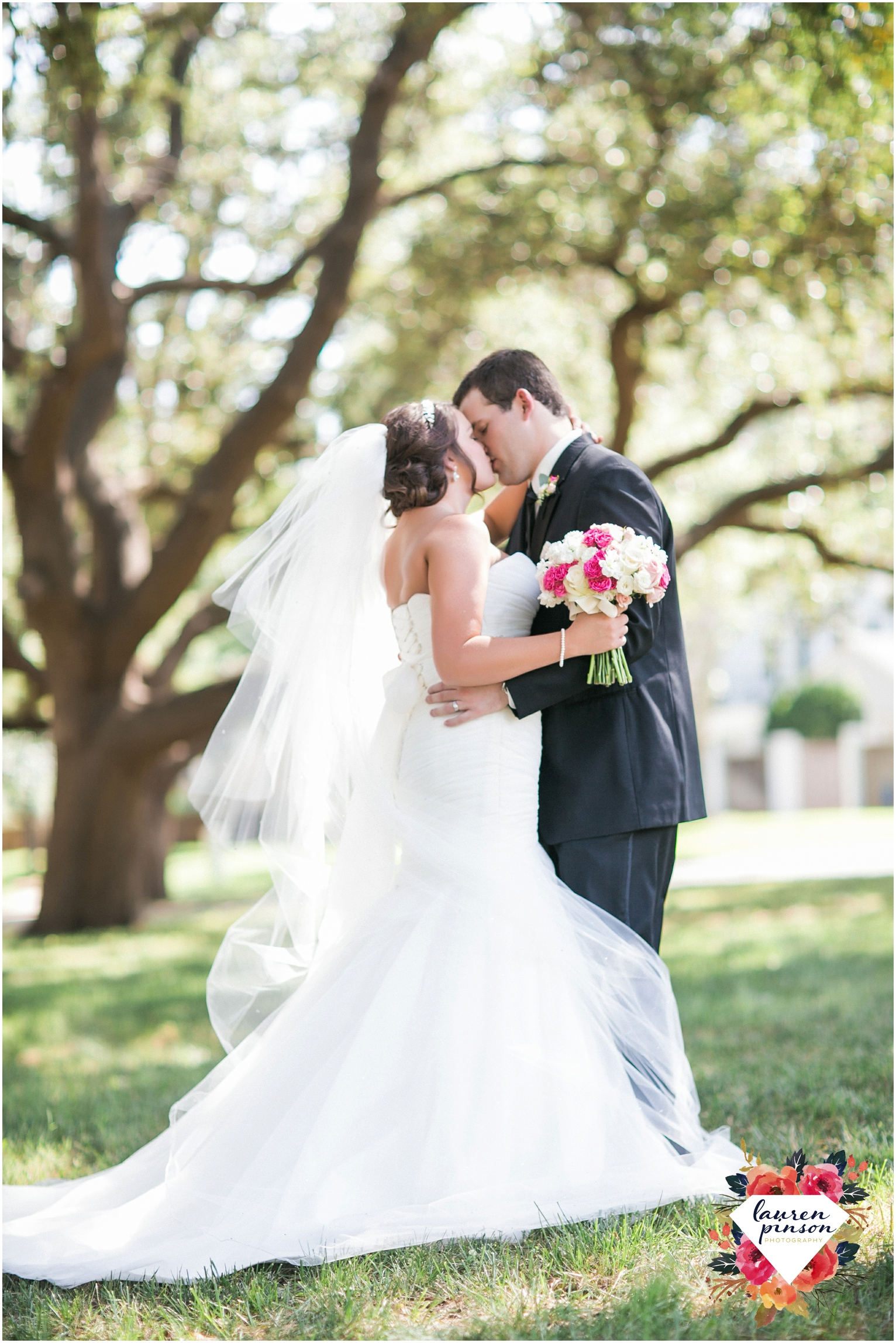wichita-falls-wedding-photographer-kemp-center-at-the-forum-photography-two-clever-chicks_1009.jpg