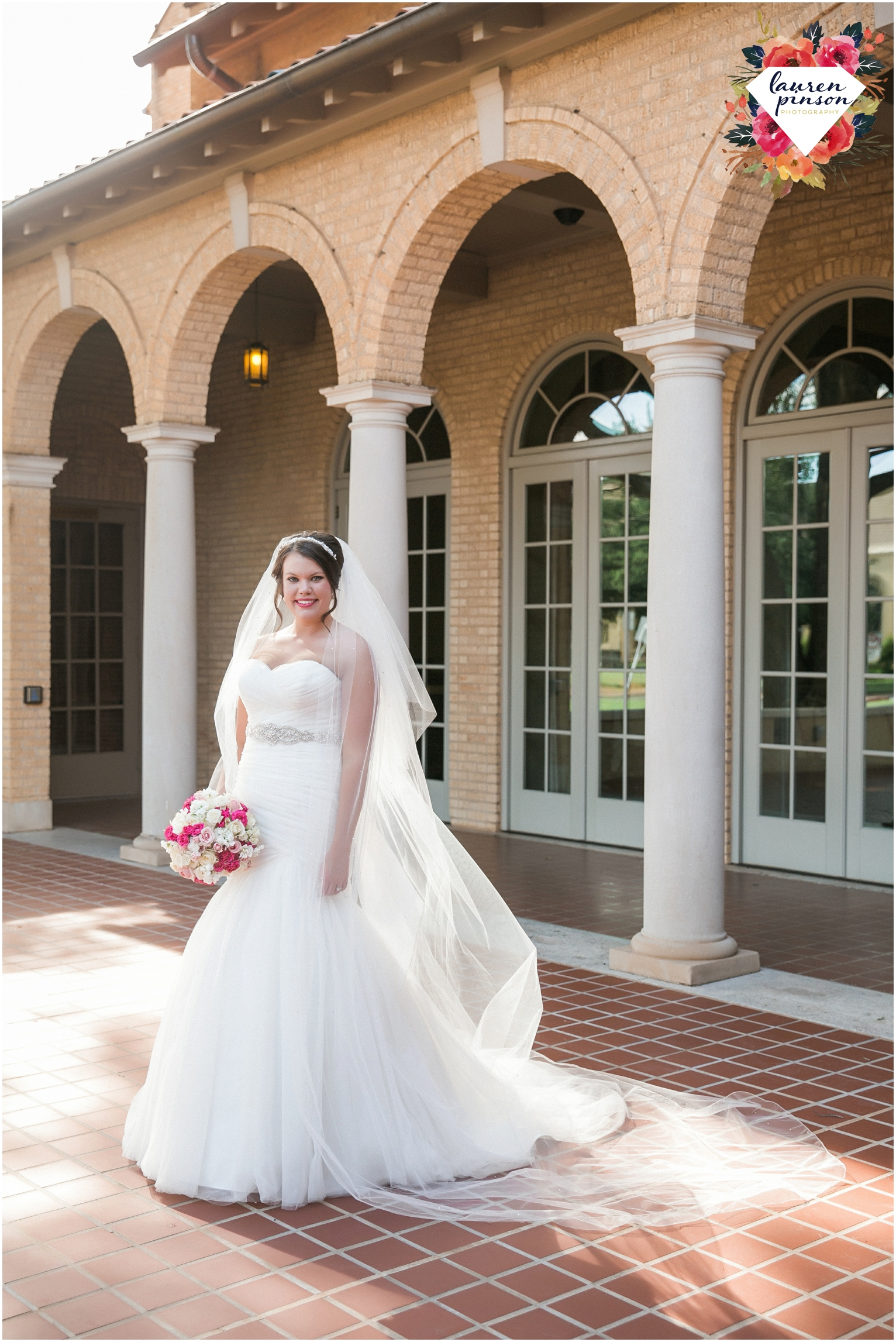 wichita-falls-wedding-photographer-kemp-center-at-the-forum-photography-two-clever-chicks_1035.jpg