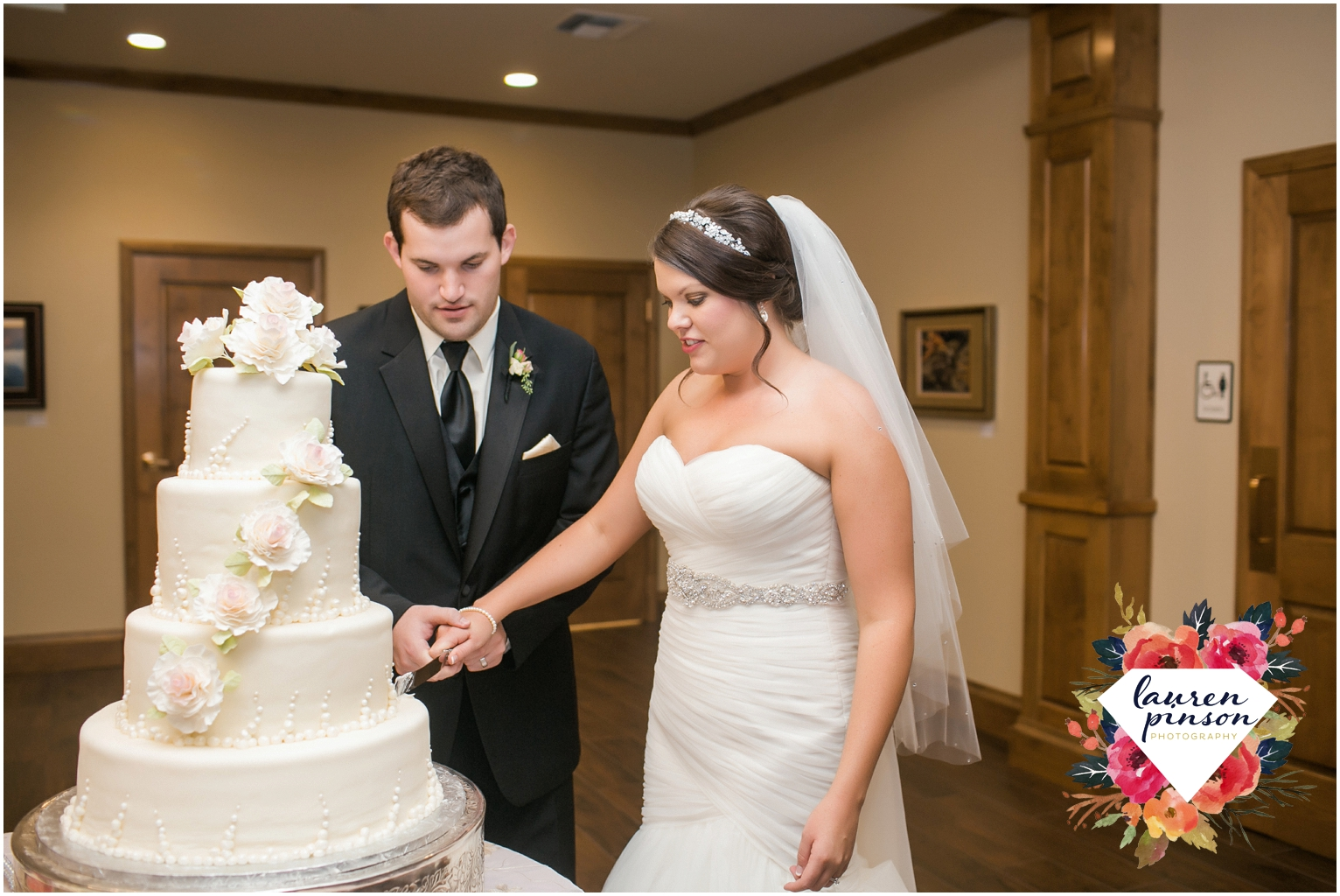 wichita-falls-wedding-photographer-kemp-center-at-the-forum-photography-two-clever-chicks_1070.jpg