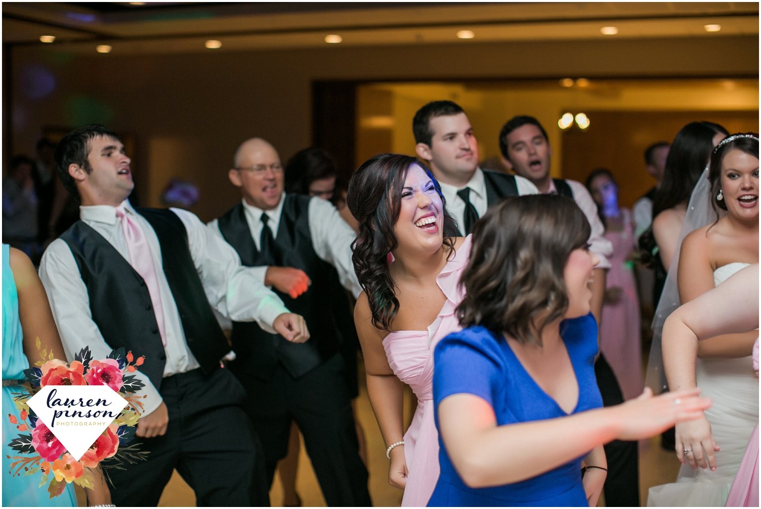 wichita-falls-wedding-photographer-kemp-center-at-the-forum-photography-two-clever-chicks_1081.jpg