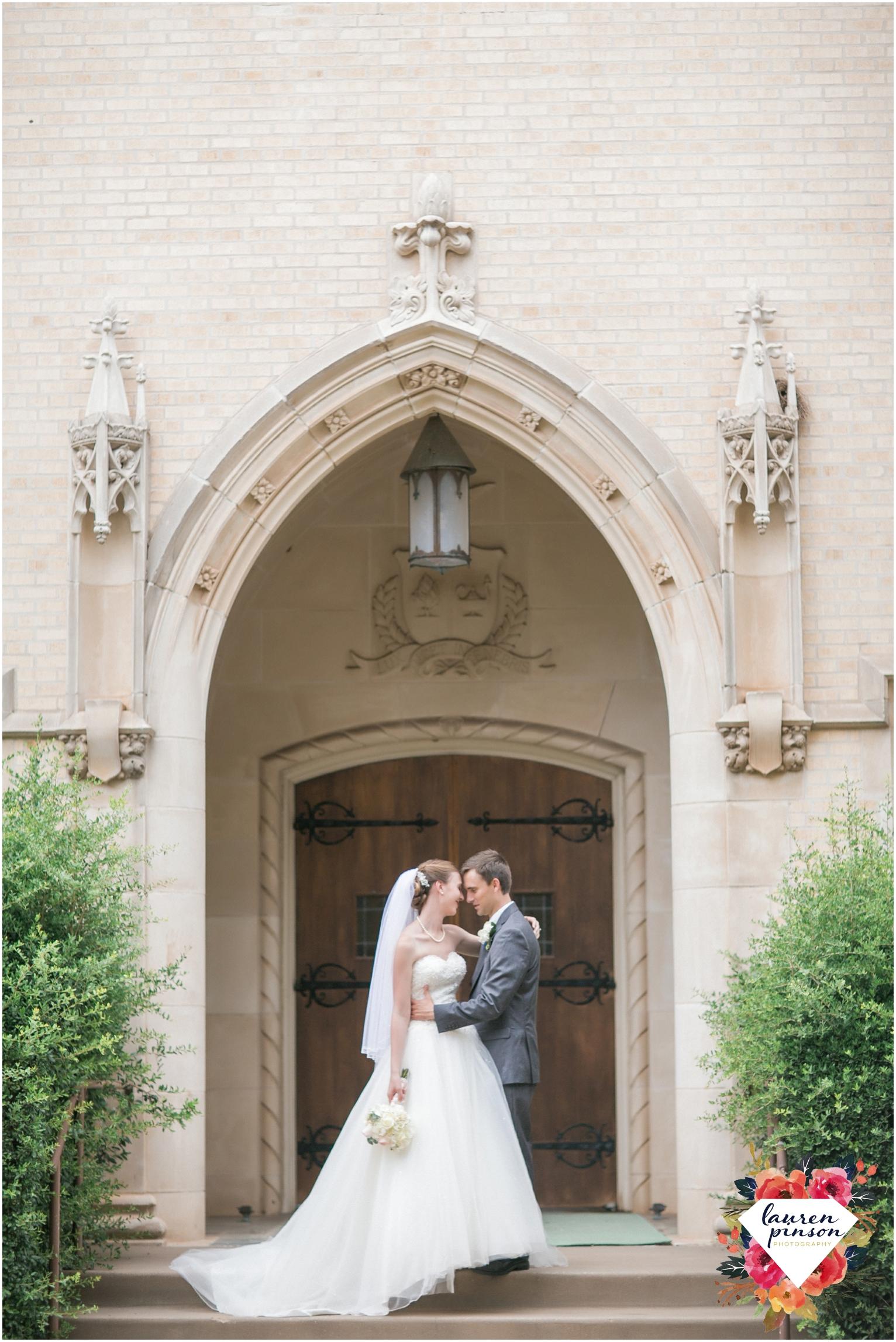 wichita-falls-wedding-photography-at-fain-presbyterian-church-and-the-wellington-timeless-classic-modern-photographer_1169.jpg