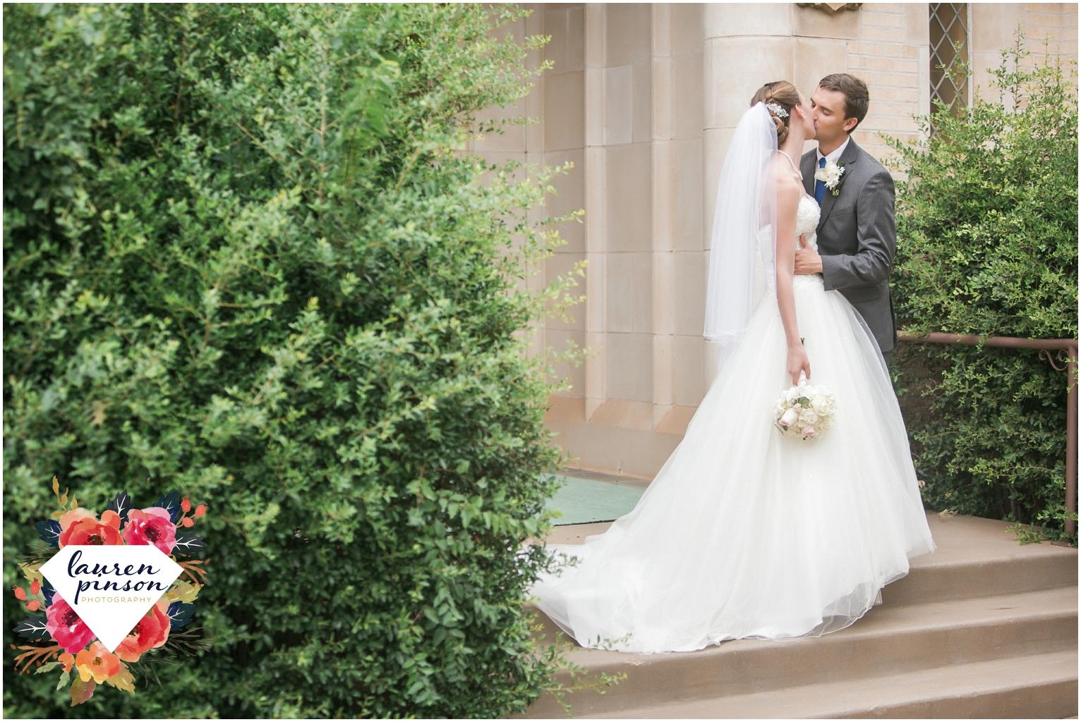 wichita-falls-wedding-photography-at-fain-presbyterian-church-and-the-wellington-timeless-classic-modern-photographer_1171.jpg